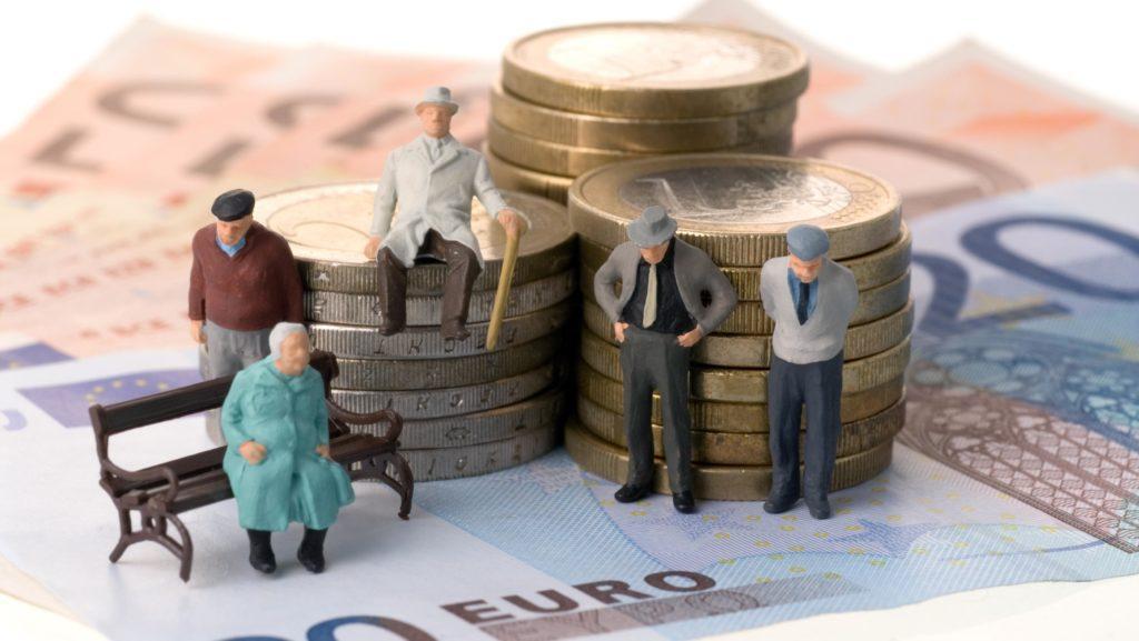 Photo of Какие льготы положены пенсионеру, если у него большой трудовой стаж